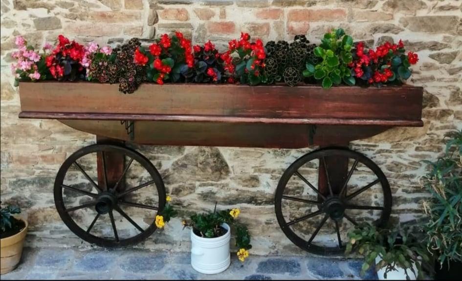Dekorativní maličkosti, které zkrášlí posezení, vchod do domu  i zahradu
